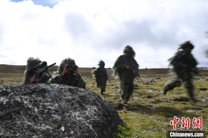 进行动态跟踪。中国人民解放军77635部队 供图