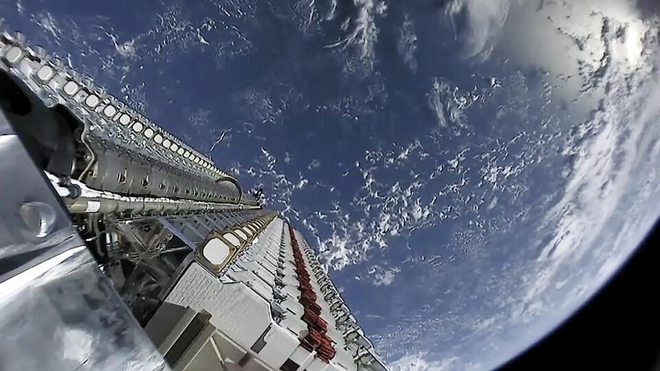 """美军开始测试SpeceX""""星链""""系统 未来或有数万颗卫星支持作战"""