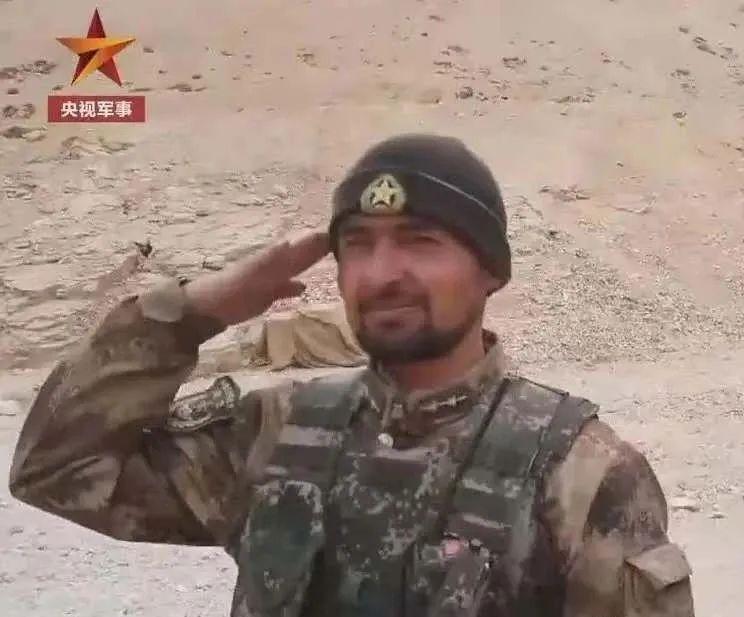 军媒刊文介绍:最近超火的那个大胡子军官,是我同学