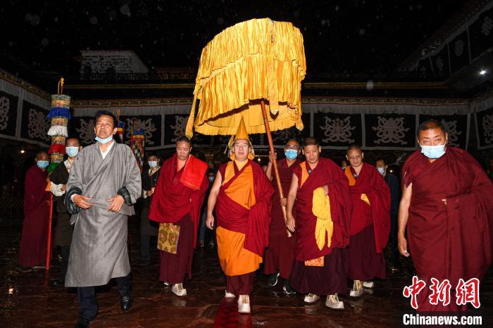 【石家庄亚洲天堂公司】_十一世班禅大昭寺礼佛 开启回藏佛事和社会活动