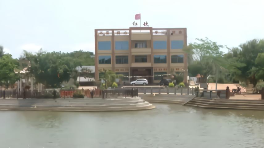 徐闻海安红坎村换新貌,堪比城市小公园