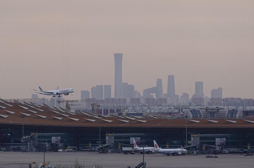 国内航班量回升接近去年同期,入境政策放宽双向客流渐恢复:民航业触底反弹
