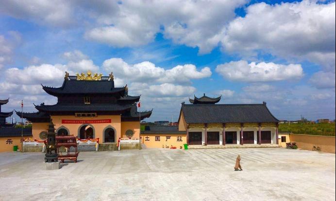 现今中国本土化的佛寺(笔者实拍)