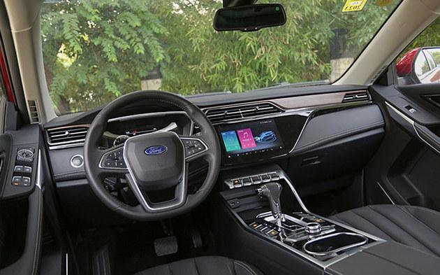 什么车能满足全家出行 同时具备日常通勤能力且性价比超高?