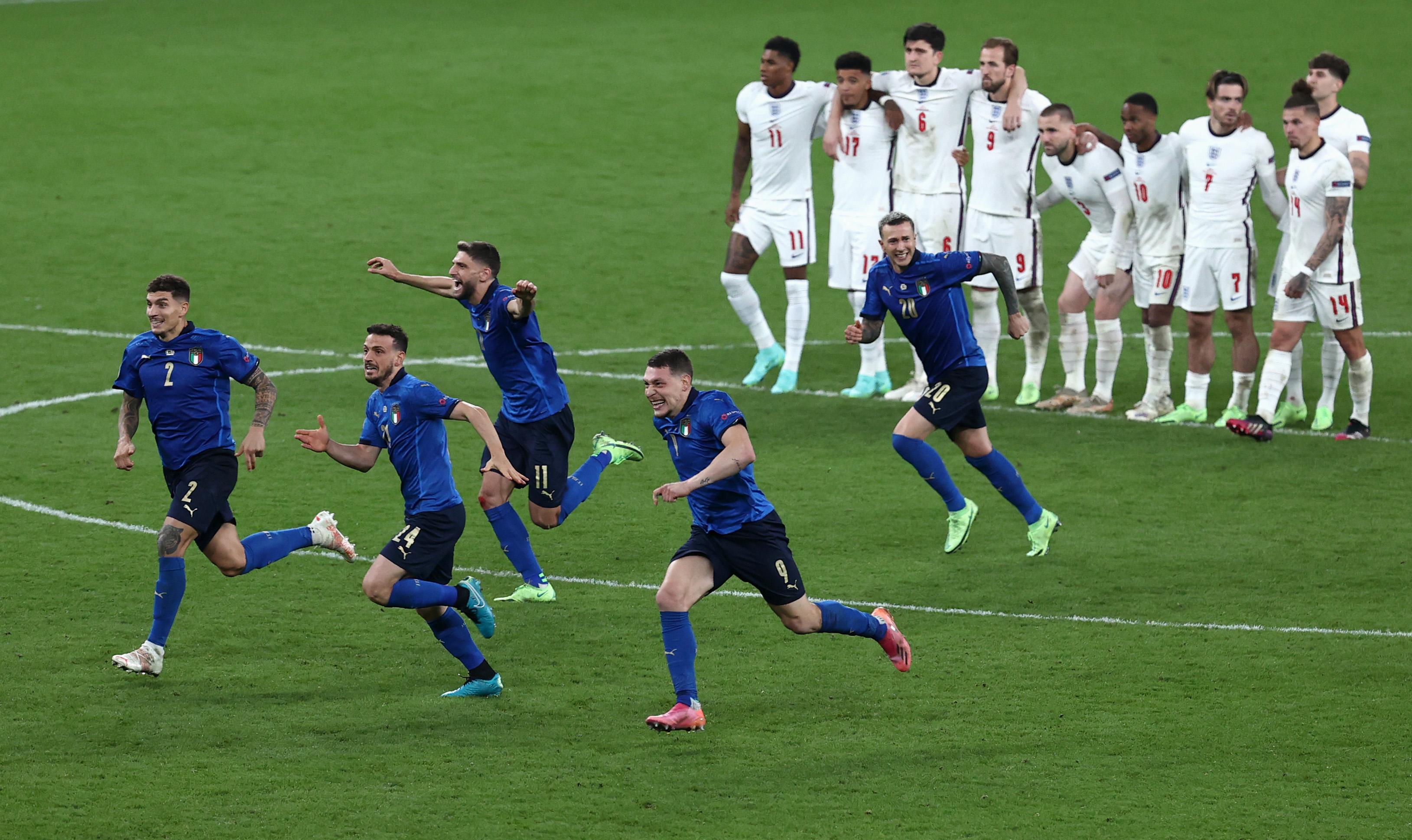 英格兰队只能目送意大利点球获胜。