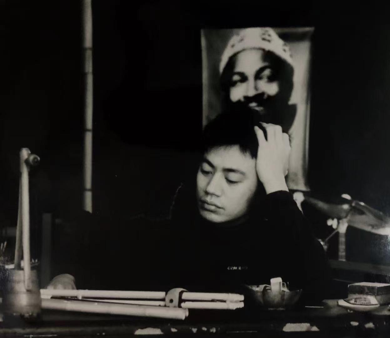 与非门乐队创始人、词曲创作兼资深音乐制作人刘晓宇因病去世(图来自乐队官微)