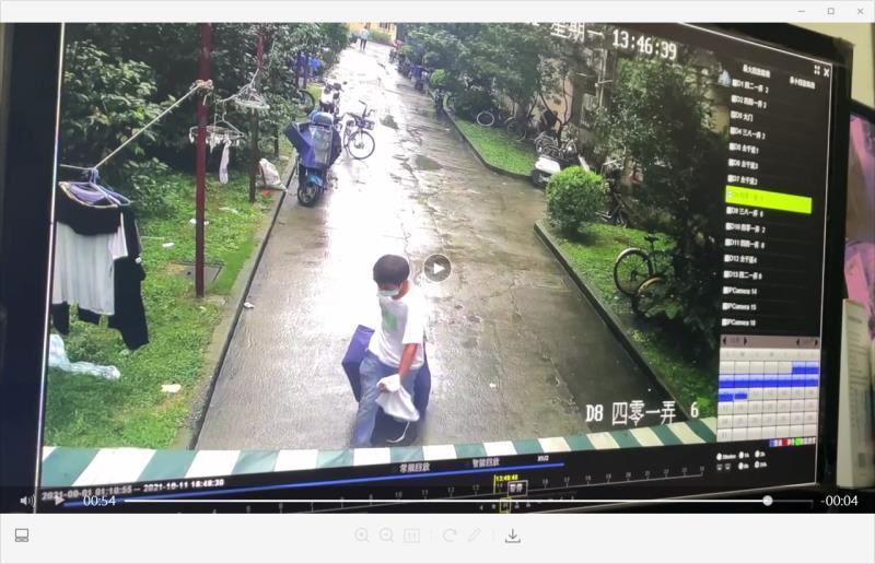 ↑网传小区监控图片