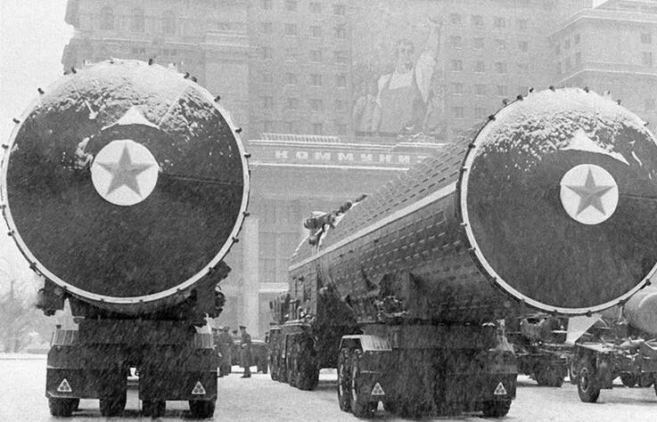 上图_ 苏联导弹部队