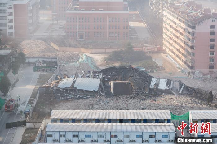 在大楼爆破后,将尽快进行后续规划工作以及拆迁户安置房建设工作。 刘力鑫 摄