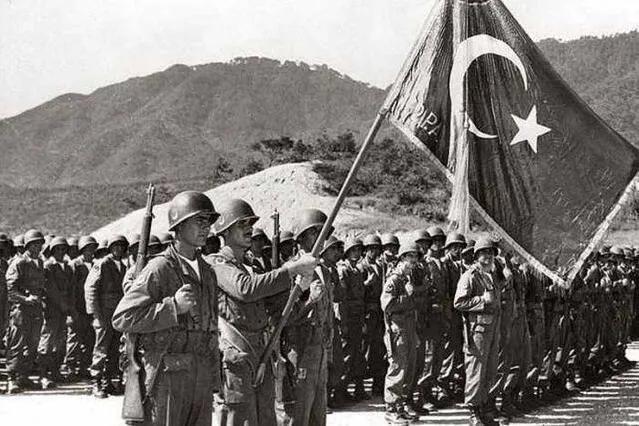 上图_ 朝鲜战争的土耳其士兵