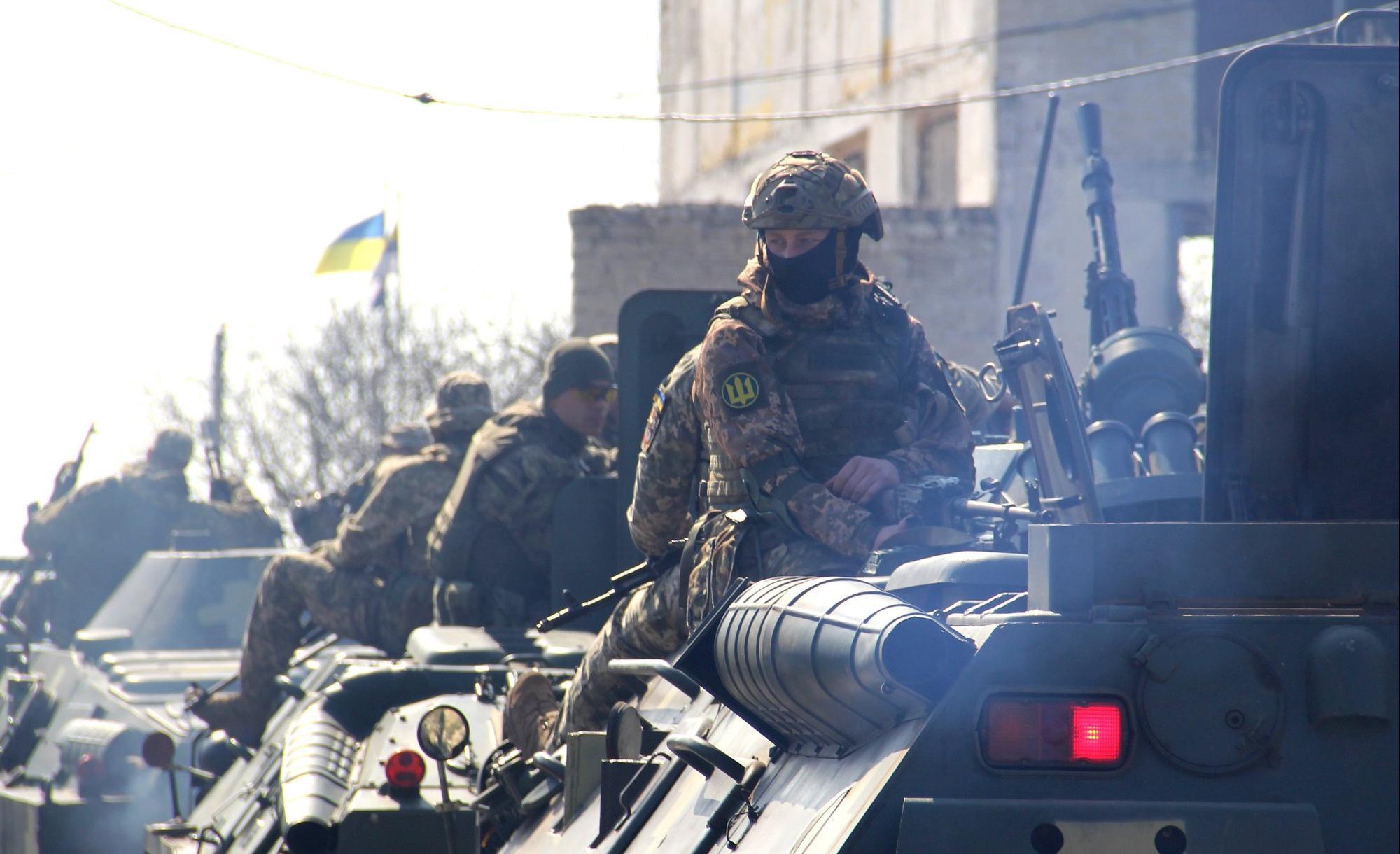 乌克兰军队在南部地区举行反登陆突袭演习