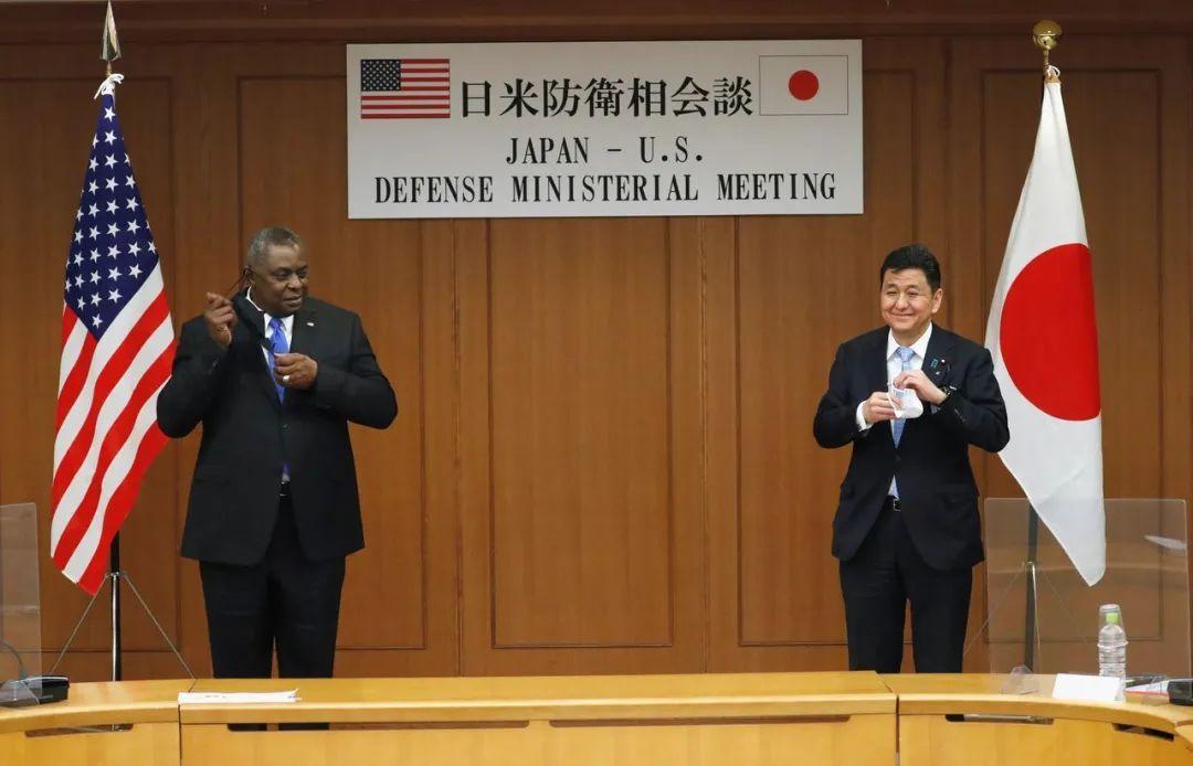 ▲ 2021年3月16日,美国防长奥斯汀在东京同日本防卫大臣岸信夫会晤。据媒体报道,二人大谈特谈涉华议题。