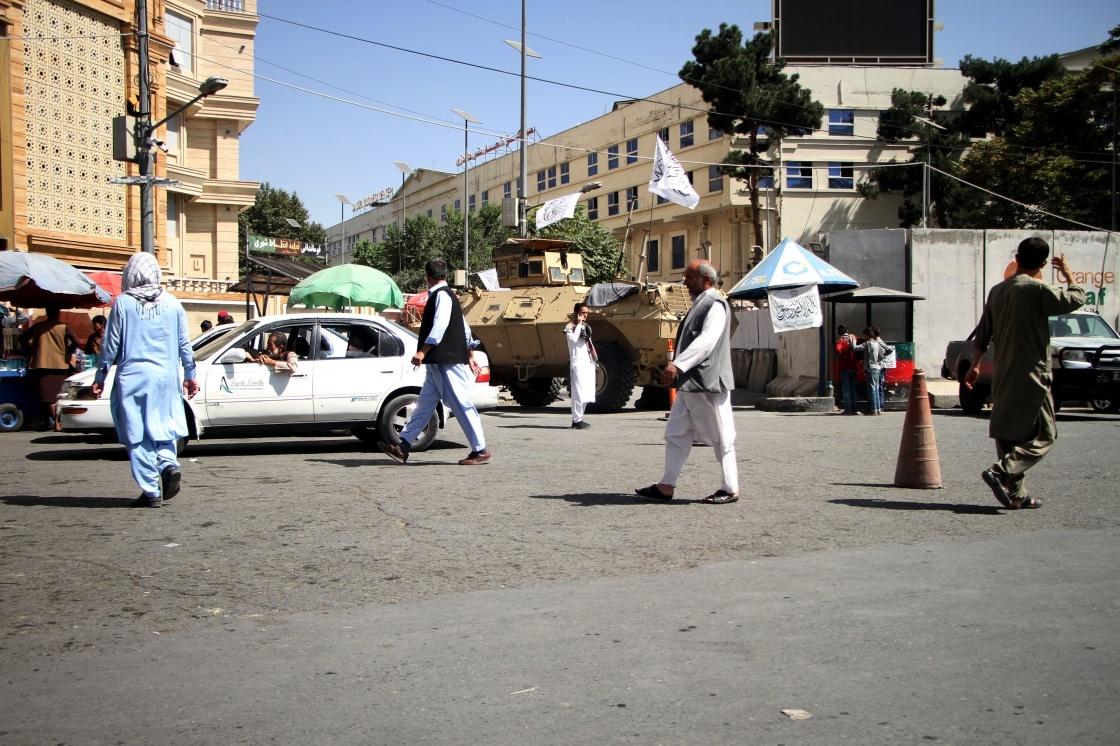这是9月8日拍摄的阿富汗喀布尔街头。新华社 图