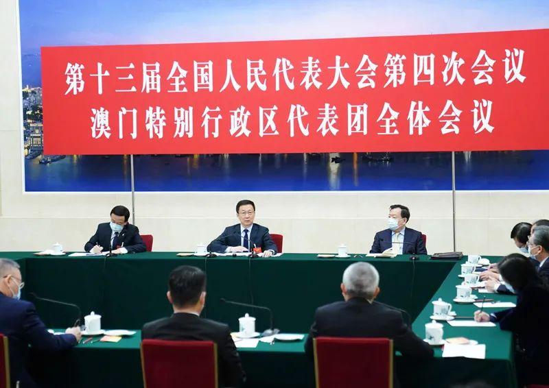 3月7日,中共中央政治局常委、国务院副总理韩正参加十三届全国人大四次会议澳门代表团的审议。新华社记者 燕雁 摄