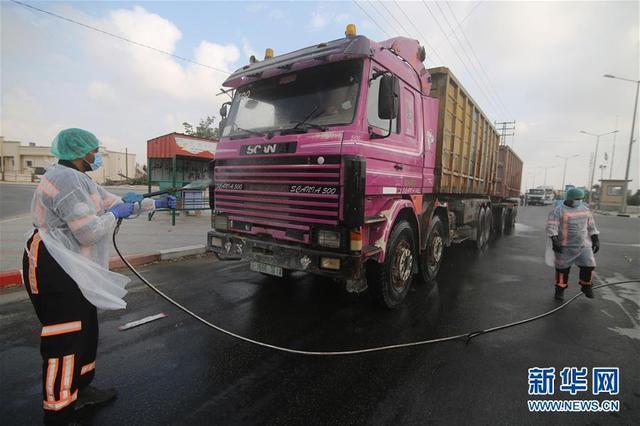 以色列關閉通往加沙地帶過境點,國際救援車隊通行受阻