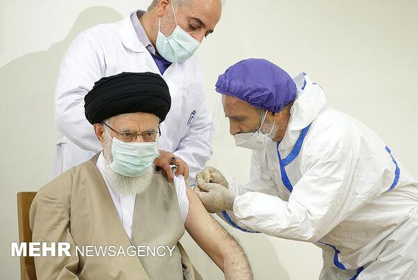 伊朗最高領袖哈梅內伊接種國產新冠疫苗