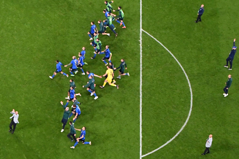 意大利队冲向决赛。