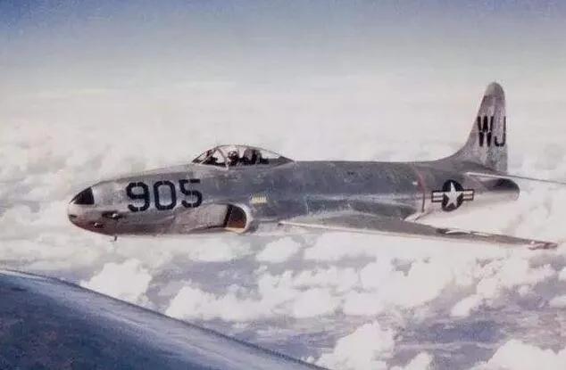 上图_ 美国f80战斗机