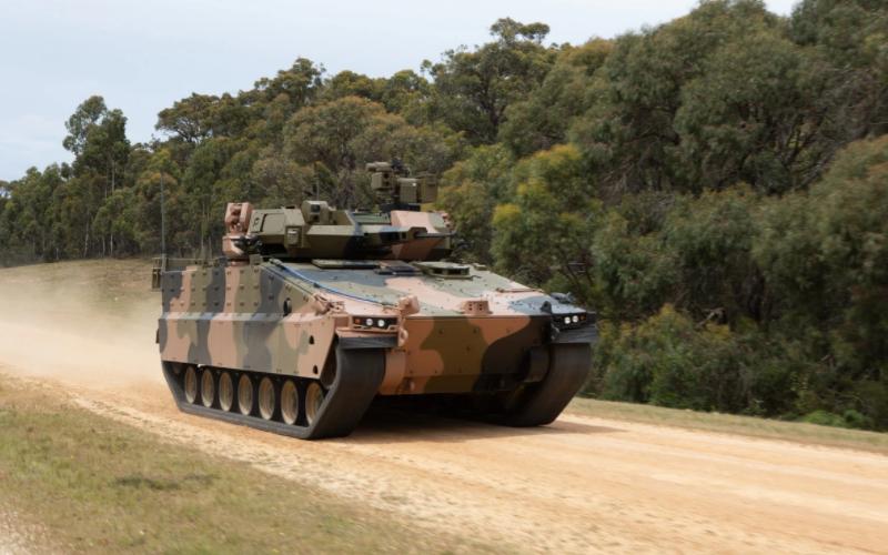 正在澳大利亚测试的韩华Redback步战车