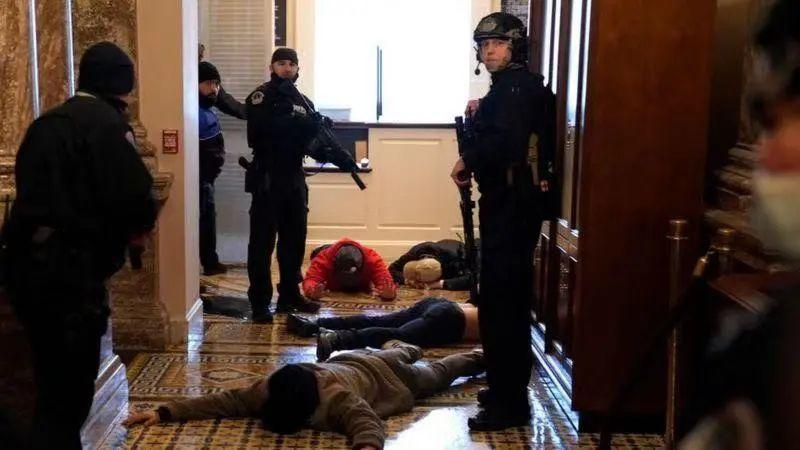 一些示威者被拘捕