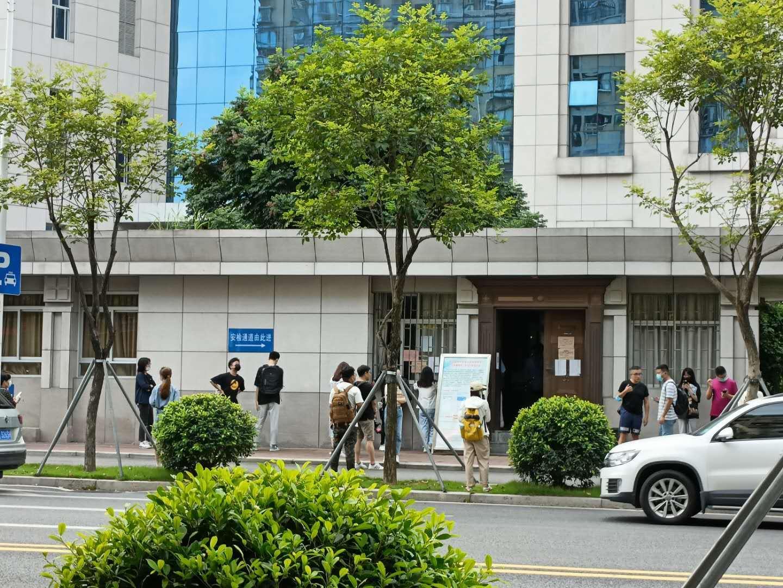 吳謝宇被判死刑 其父朋友和家屬:不滿判決結果