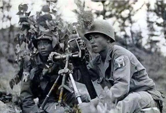 上图_ 朝鲜战争中的泰国军营