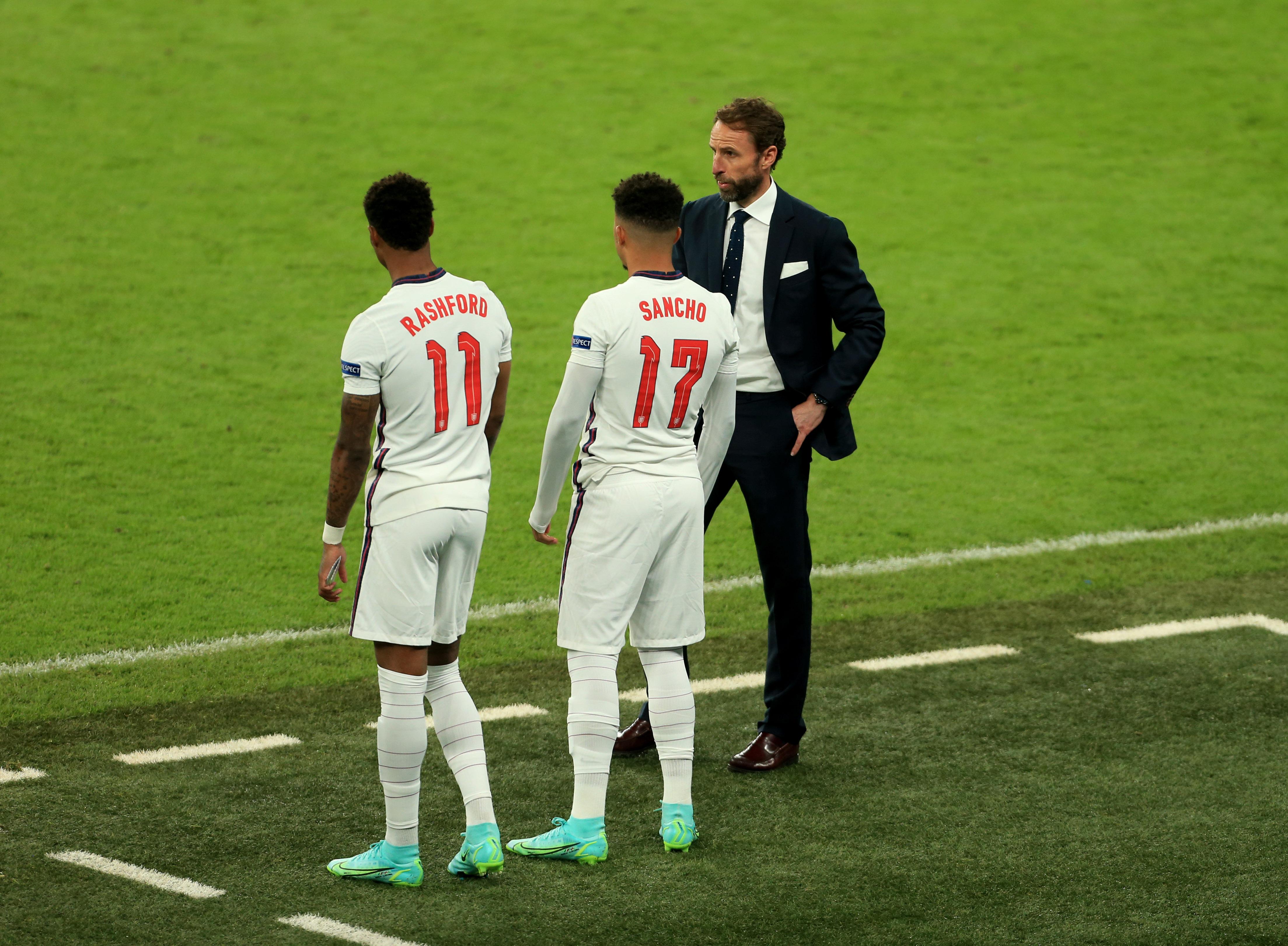 桑乔和拉什福德都是加时赛最后时刻被换上场踢点球的,结果双双罚丢。