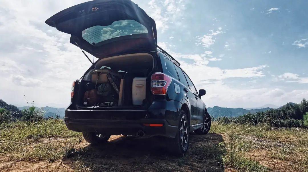 鲁统磊每次去露营都要装满一整车装备 / 受访者供图