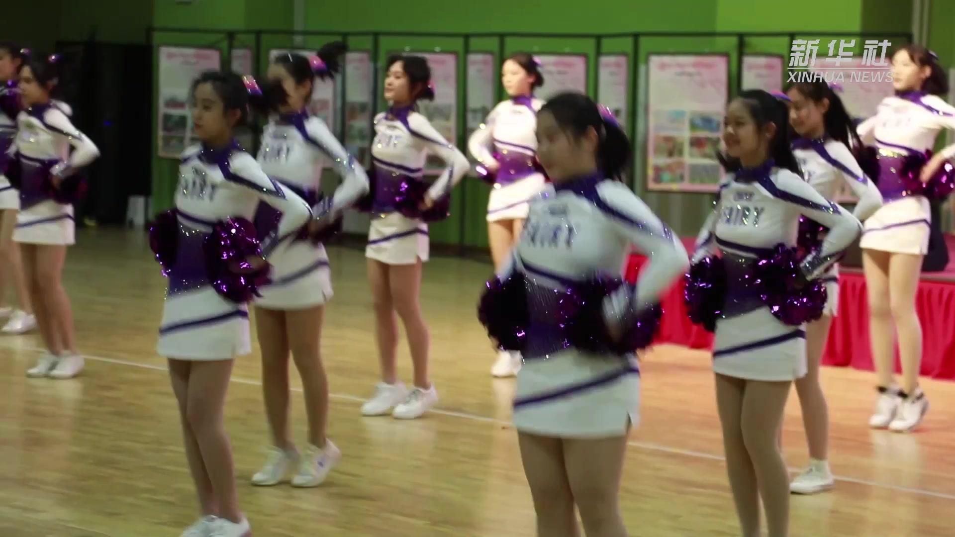 """一起跳起来!北京市西城区启动""""跳动校园""""中小学跳绳系列活动"""