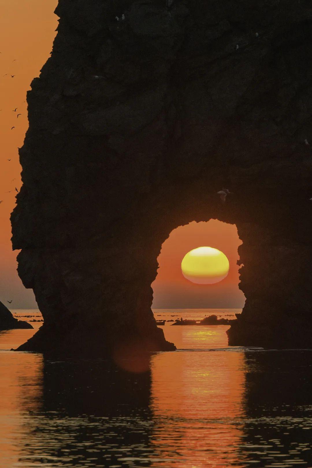 ▲ 夕阳下的象鼻山。图/视觉中国
