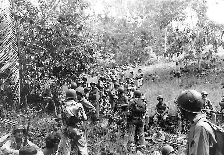 上图_ 瓜岛上的美军