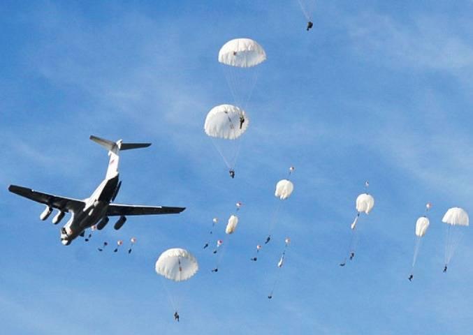 俄军大型运输机空投部队 资料图