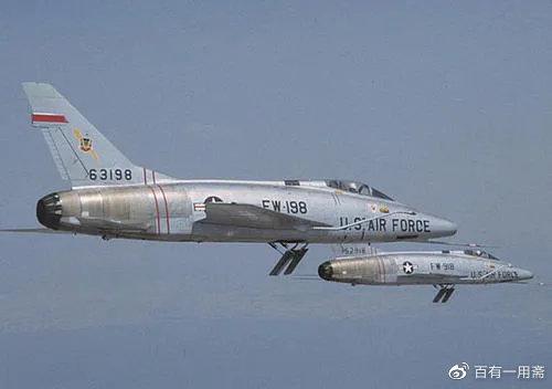 美军F-100超级佩刀