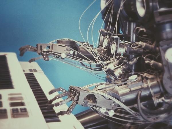 怕《黑客帝国》重现?深圳将试行人工智能分级监管