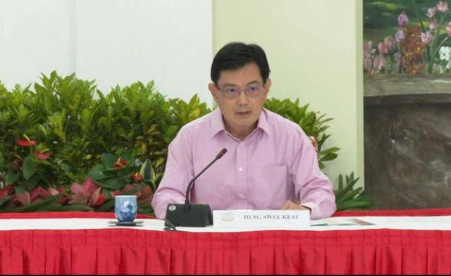 """当地时间4月8日,新加坡副总理兼经济政策统筹部长及财政部长王瑞杰宣布自己将不再担任""""第四代团队""""的领军人物。"""