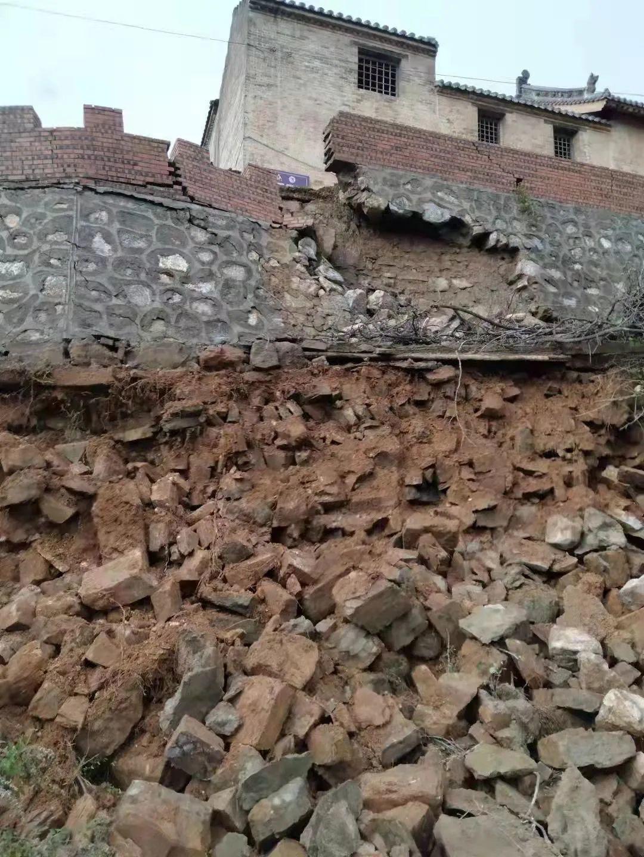 """晋城阳城""""市保""""大夫街土地庙护墙坍塌"""