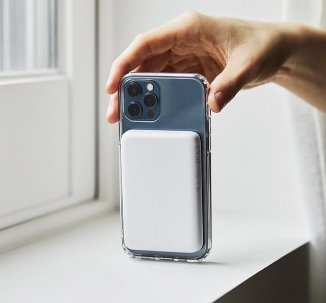 苹果MagSafe外接电池暴力拆解 电池容量仅2920mAh