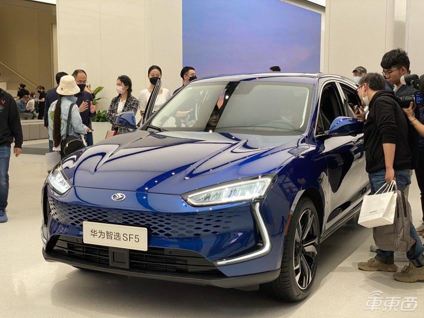小鹏P5发布:一辆真能躺平的电动新车,首搭大疆系激光雷达