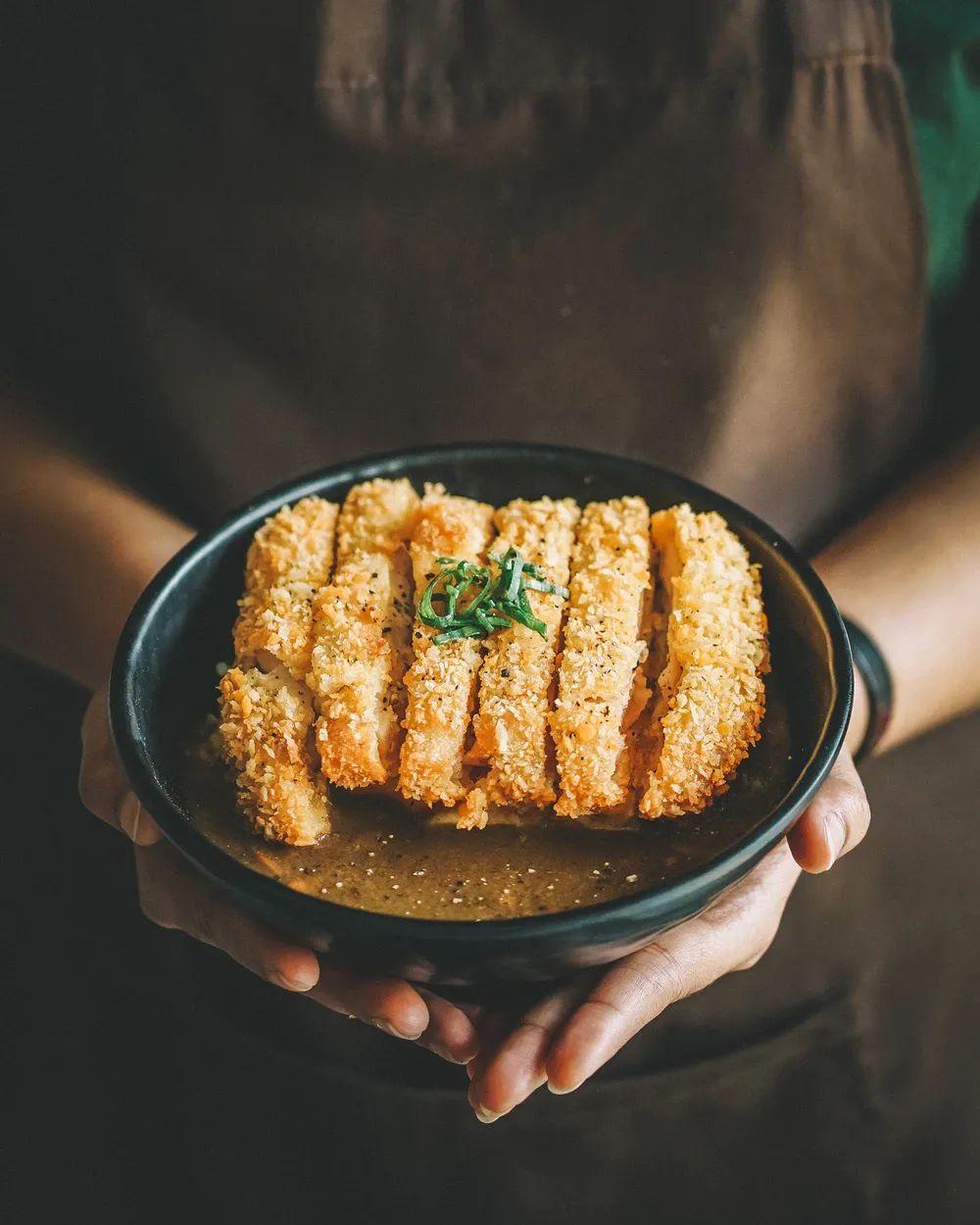 △集于一盘的牛丼是日本家庭主妇的首选菜单 / unsplash