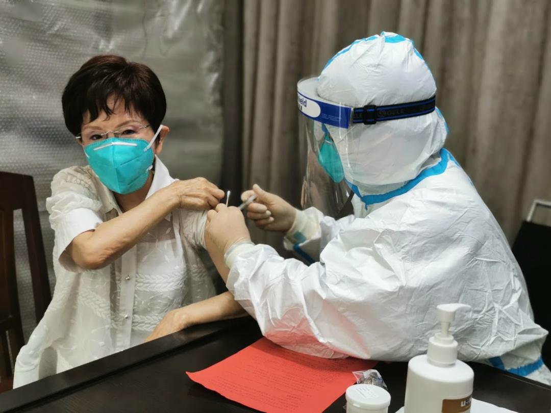 """台大教授来大陆打疫苗后 称出现了特殊""""副作用"""""""