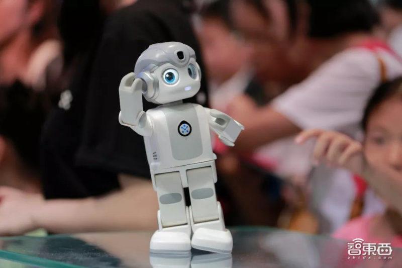 """瞄准超 700 亿市场,优必选锁定服务机器人赛道未来""""黄金十年"""""""