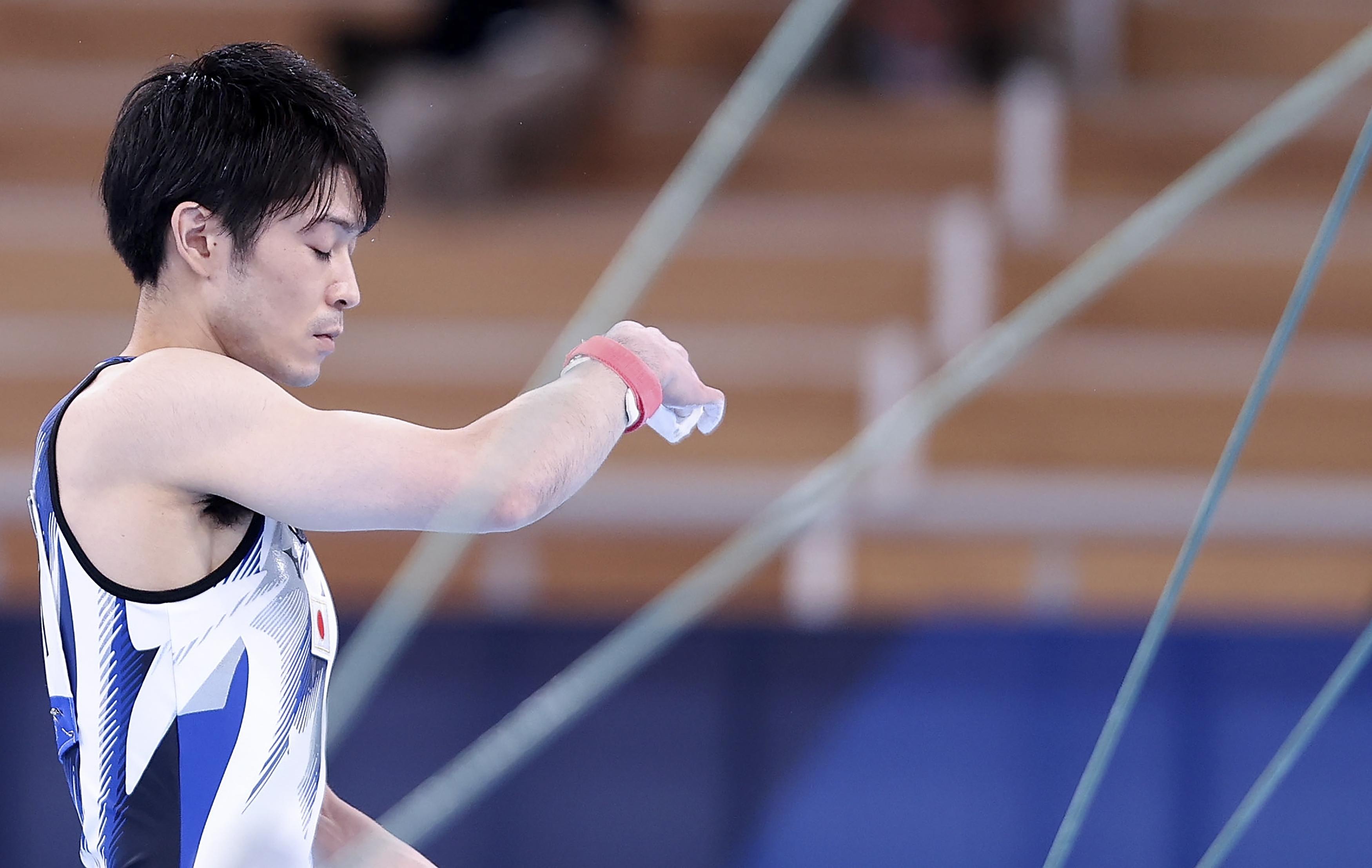 日本选手内村航平在比赛前。新华社记者曹灿摄