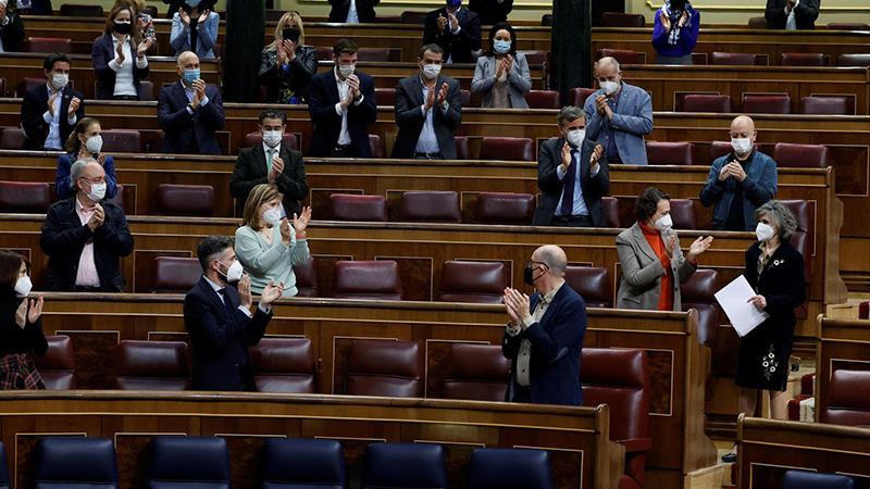 当地时间3月18日,西班牙众议院在经过最终投票之后,以202票赞成、141票反对的结果通过了安乐死法规。