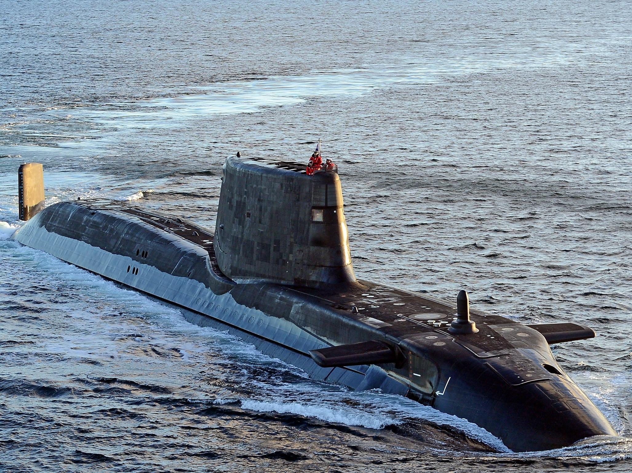 """英军现役的""""机敏""""级核潜艇"""