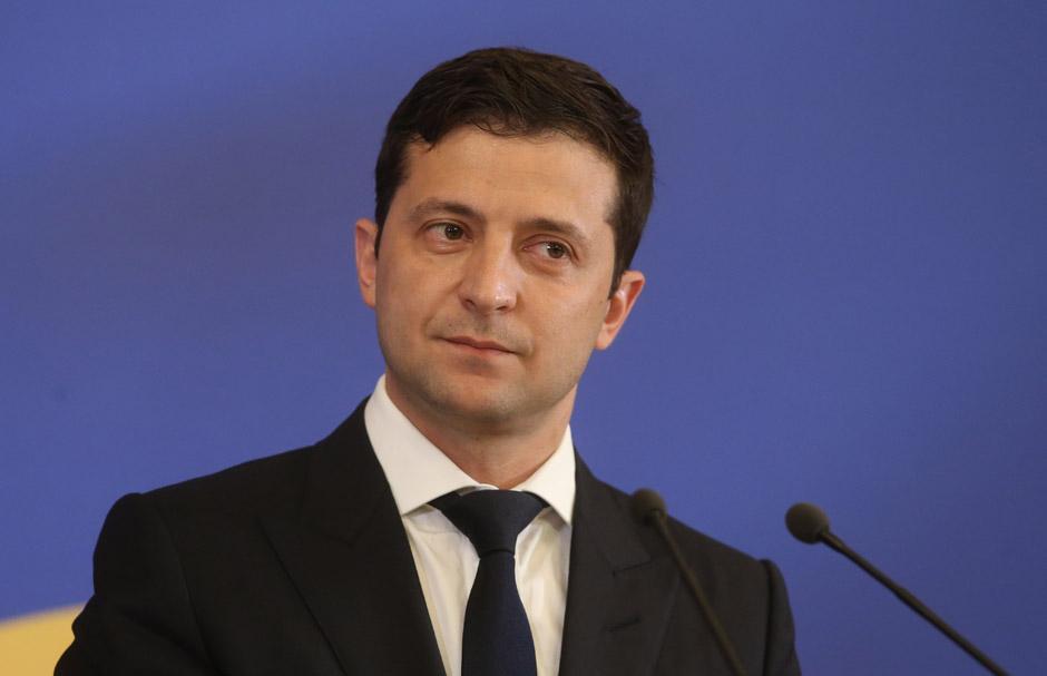 俄乌大军集结边境,乌克兰总统喊话:邀普京来会面