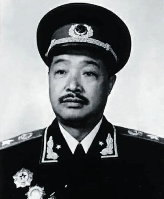 开国元帅贺龙