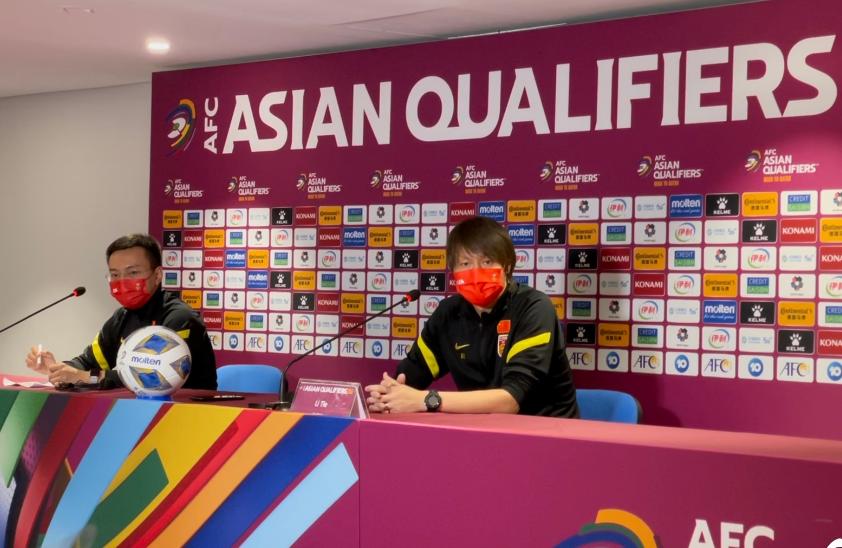 国足0-3不敌澳大利亚,赛后,李铁首先承认了和澳大利亚的差距