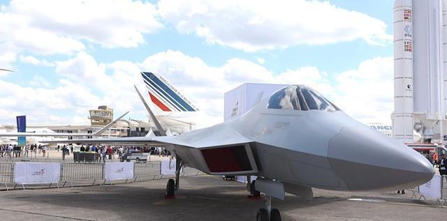 2019年巴黎航展期间,土耳其航空航天工业公司展示的TF-X全尺寸模型