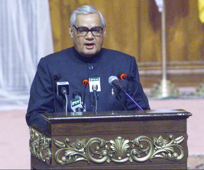 1998年,瓦杰帕伊宣誓就任印度总理