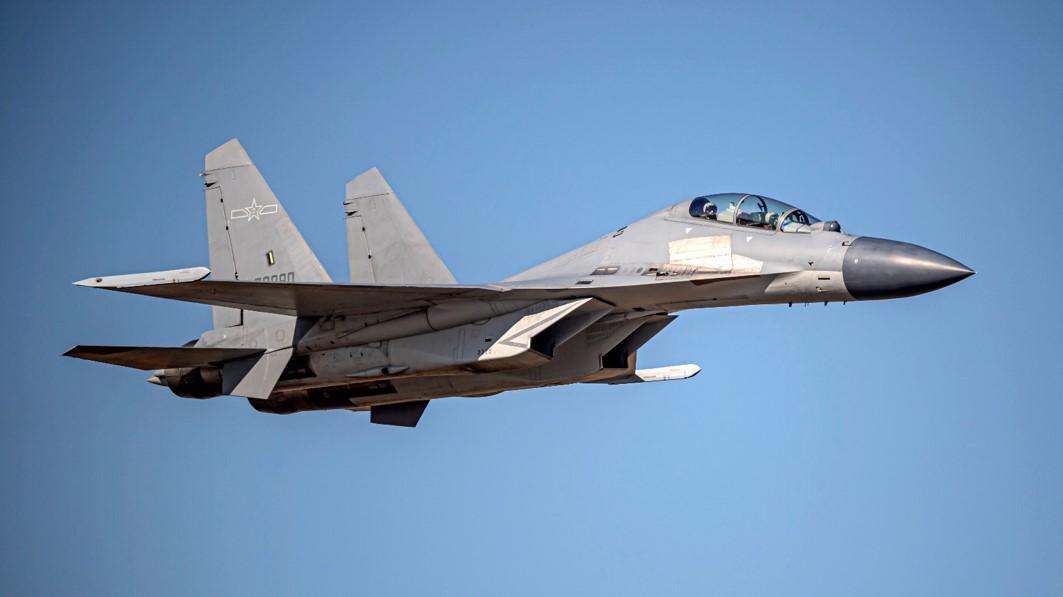解放军歼-16战机(同型机)。图自台防务部门官网